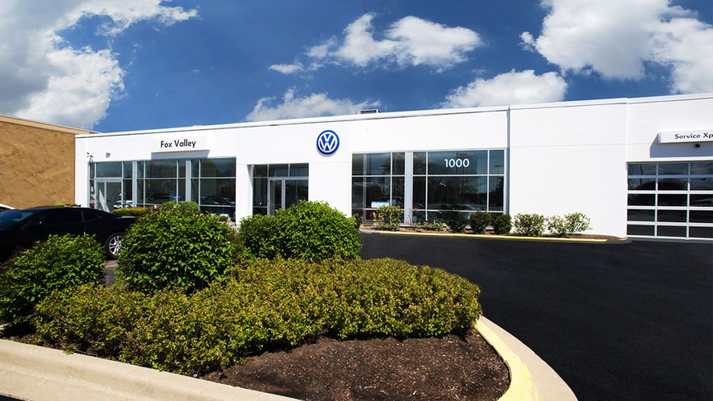 Fox Valley VW Schaumburg IL exterior